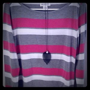 GU Liz Claiborne long sleeve shirt with Necklace